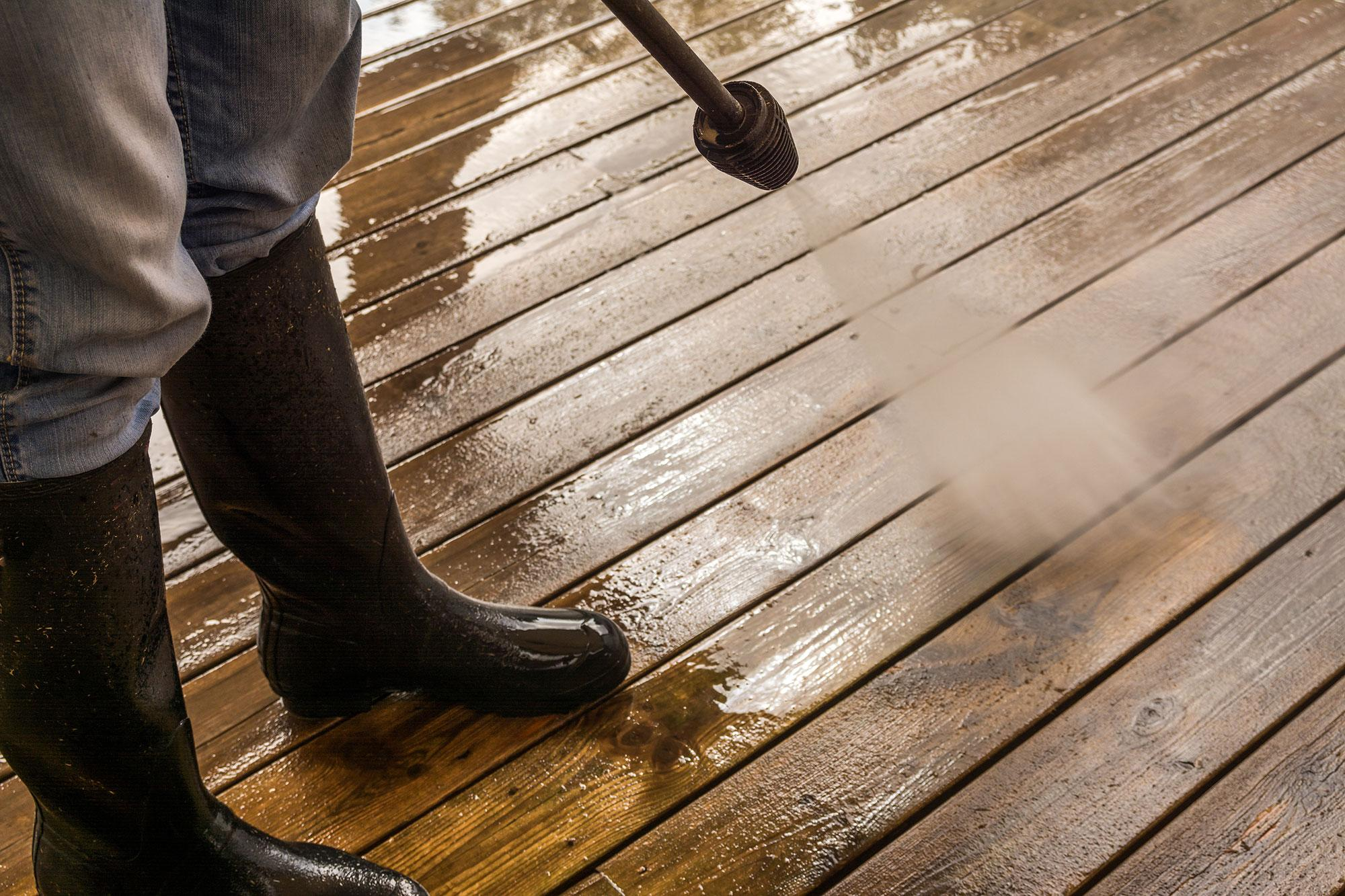 Residential and Commercial Wood and Vinyl Power Washing